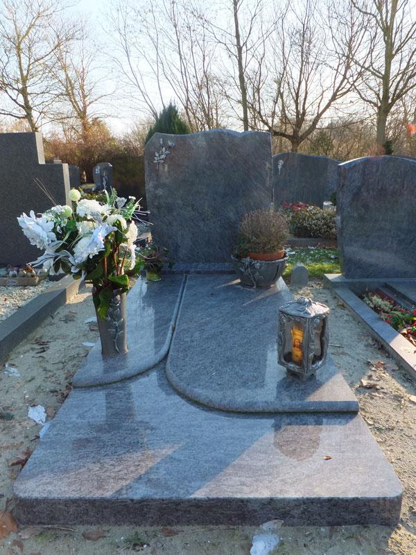 Wonderlijk Lantaarns bij gedenkstenen | Steenhouwerij van Dalen Goes RO-77
